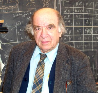 Leonid Hurwicz (2005); photo: Dong Oh, University of Minnesota, Creative Commons Attribution 3.0 Unported License.